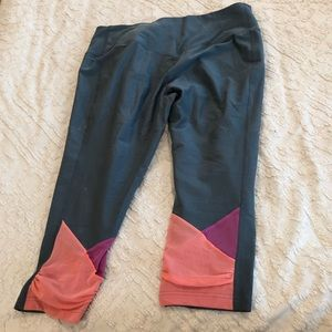 Nike Dri Fit Workout Capris Gray Peach Magenta EUC